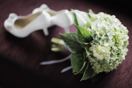 simple green bridal bouquet