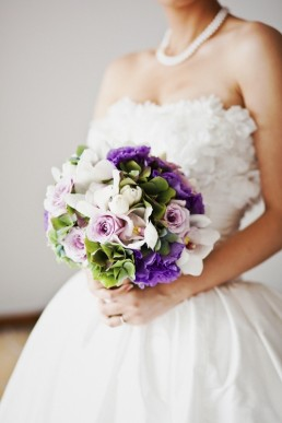 mauve white bridal bouquet